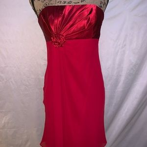 David's Bridal Style F13712 Size 4 Red